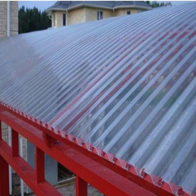 Червоний навіс вид зверху з монолітного профільованого хвилястого полікарбонату