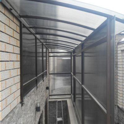 Вхід до підвального приміщення із стільникового полікарбонату
