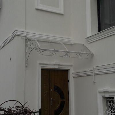 Вавіс над вхідним дверима із  монолітного полікарбонату